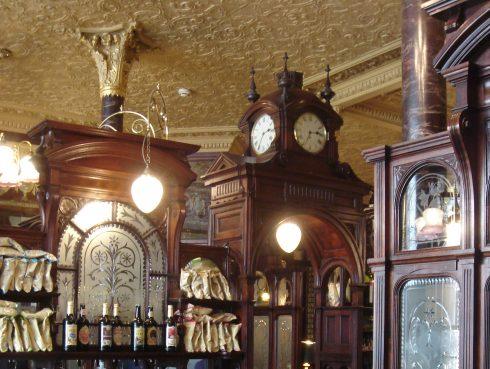 Egy pub megtervezésének szakaszai